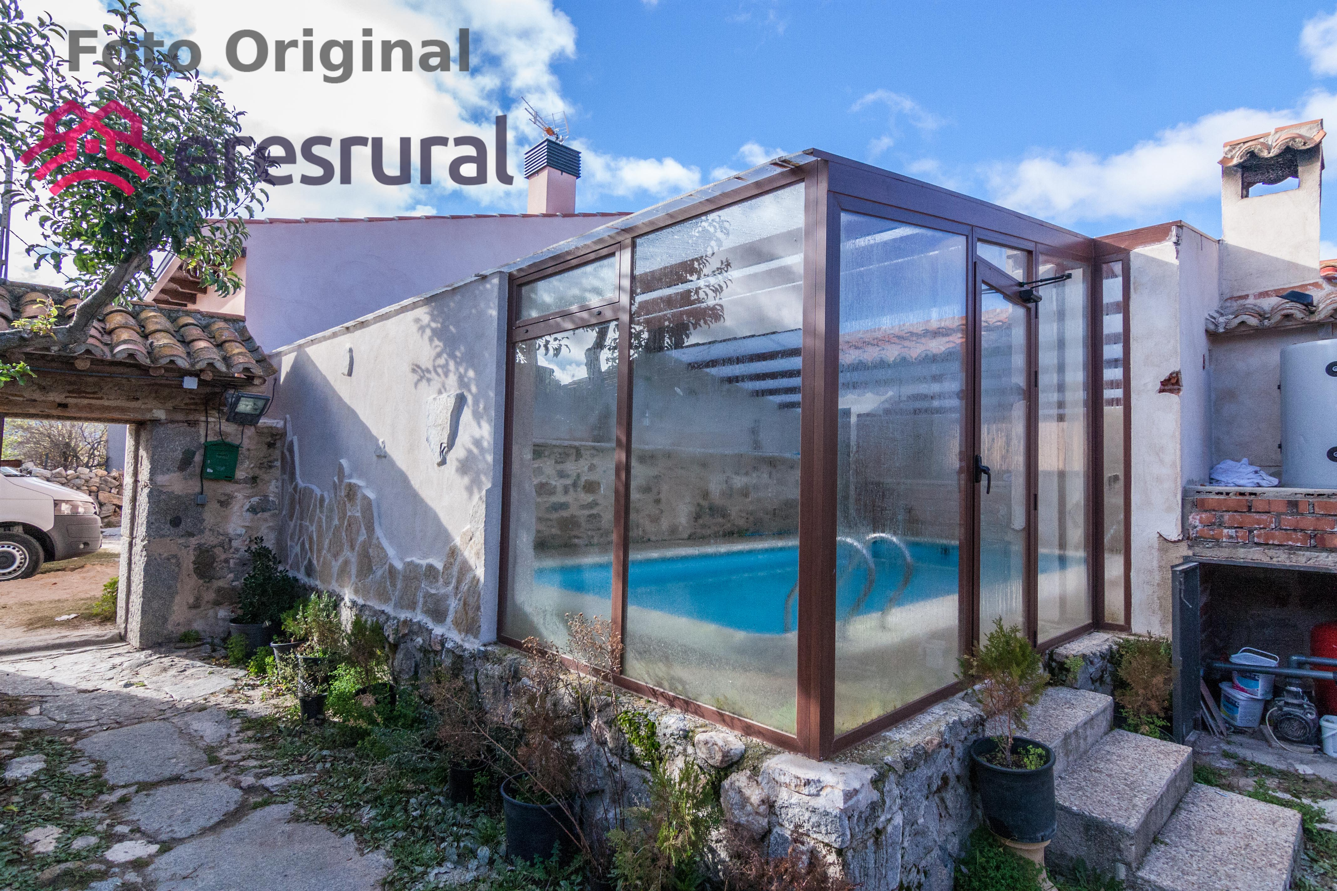 R stica casa rural que cuenta con un porche con barbacoa y - Casa rural con piscina cubierta ...