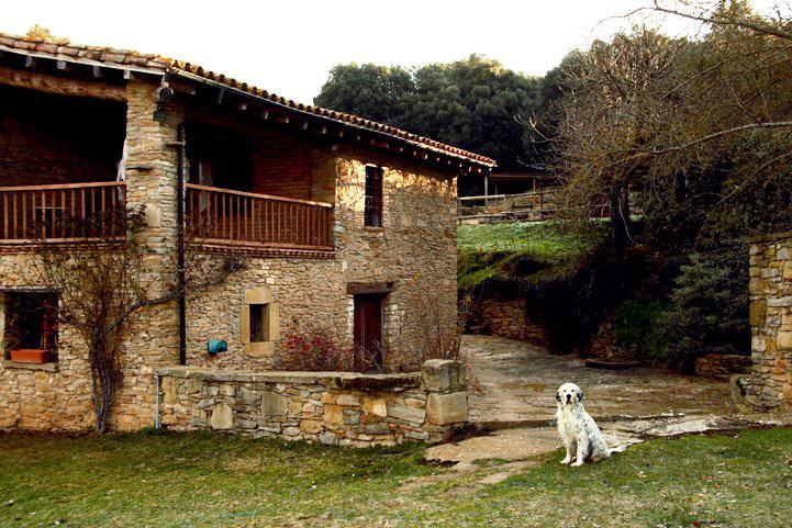 Moderna casa rural con decoraci n cuidada y piscina privada casas rurales en Casa rural moderna