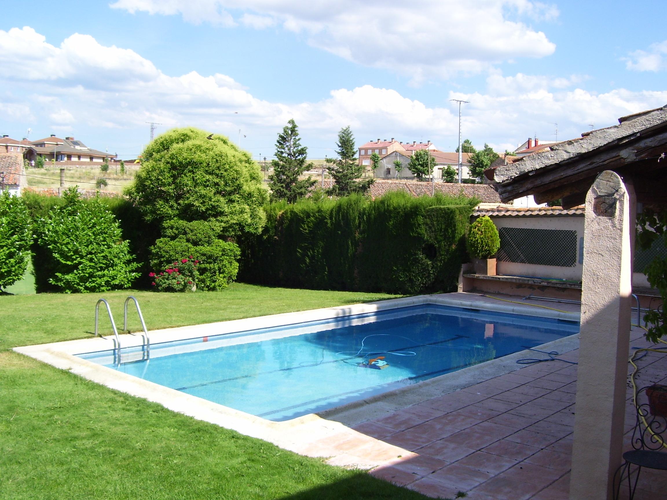 Casa rural de grandes dimensiones perfecta para grupos y for Casas rurales castellon con piscina