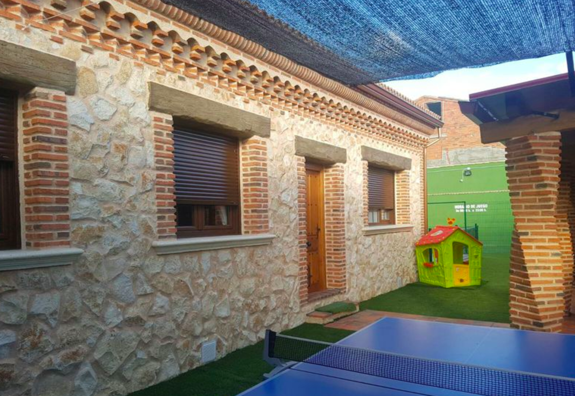 Casa rural perfecta para grupos con ni os dispone de for Casas exterior para ninos